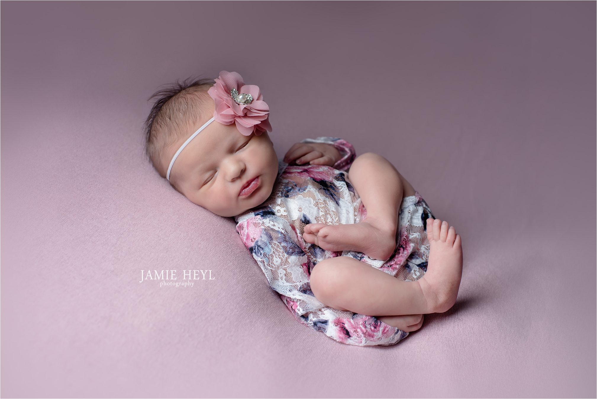 Emma – 7 Day Old In-Home Newborn Session