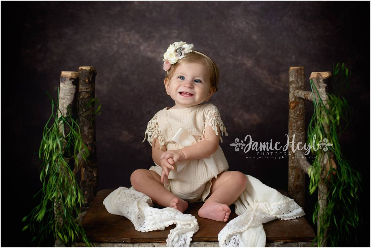 Harper – One Year Grow with Me Session {Houma Baby Photographer}